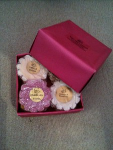 review busy bee candles